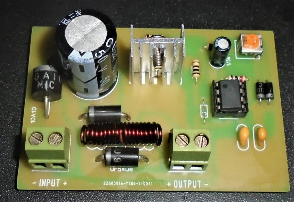 Buck converter using NE555